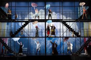 STORSLÅTT: Flott scenografi og dyktig framføring, men inga historie å fortelje. FOTO: KIM RAMBERGHAUG