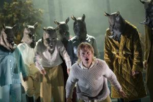 ÅLEINE: Kva gjer du når alle rundt deg blir støyande nashorn? FOTO: ARILD MOEN